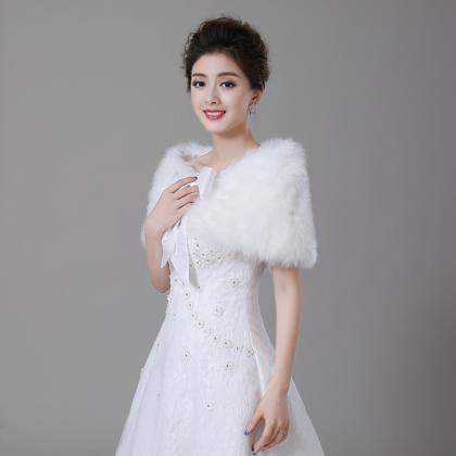 Luxury White Faux Fur Cape for Wome..