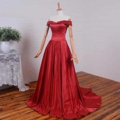 Long Red Satin Formal Dresses Featu..