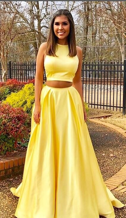 2018 New Long Yellow 2 Piece Prom Dresses WIth Halter Neckline,Sexy Floor Length Evening Party Formal Gowns