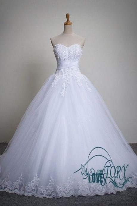 2016 White Wedding Dresses Floor Length Sweetheart Tulle Bridal Gown Lace-Up Back Chapel Train