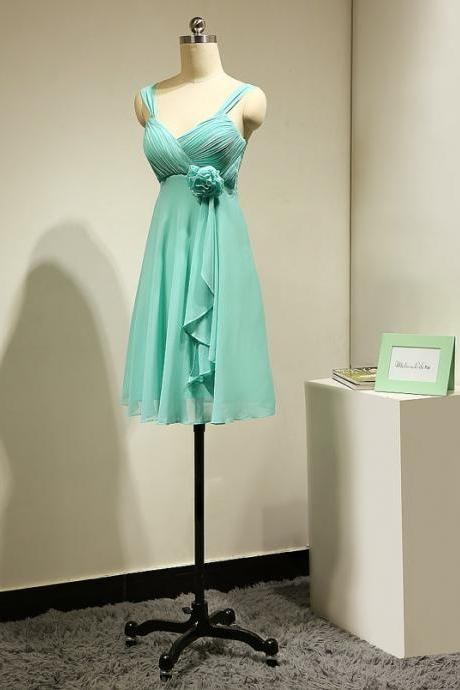 Charming Short Mint Green Spaghetti Straps Chiffon Bridesmaid Dresses With Flower ,Short Prom Dresses,Graduation Dresses 2016,Party Dresses,Short Evening Dresses, Short Formal Dress 2016,