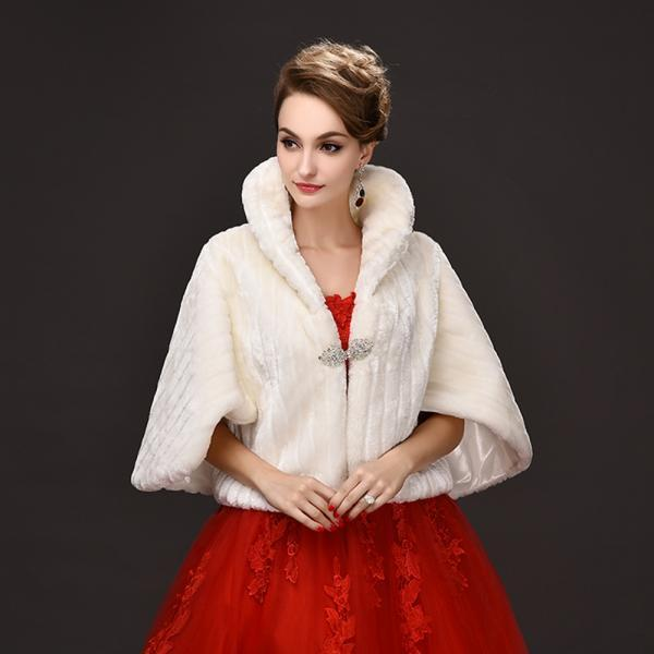 2017 Winter Womens Capes and Ponchos Wraps Faux Fur Shawl Fashion Collar Cloak